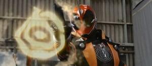 仮面ライダーネクロム、全身画像含む6枚!謎のライダーとして紹介される。