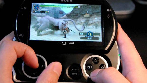 PSPGo PSPGoとかいう出るのが早すぎたゲーム機