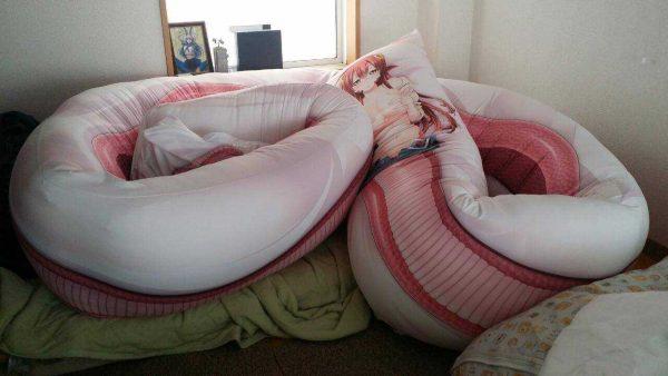 抱き枕, 中身 抱き枕の中身ってみんなどこで買ってるの?